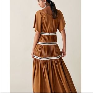Zara Dresses - Zara studio contrasting gathered dress